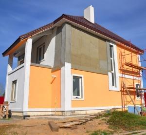 Фасад в процессе утепления